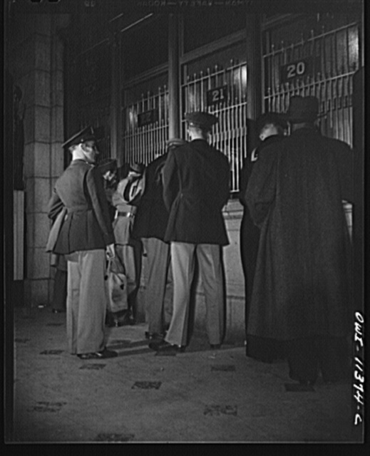 Washington, D.C. Soldiers, sailors, and civilians at the ticket window at the Union Station