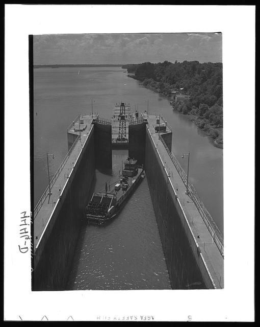 Wheeler Dam, Alabama (Tennessee Valley Authority (TVA)). Lock