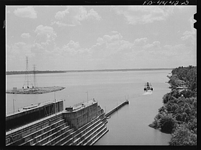 Wheeler Dam, Alabama (Tennessee Valley Authority (TVA)). Lock at Wheeler Dam, Alabama