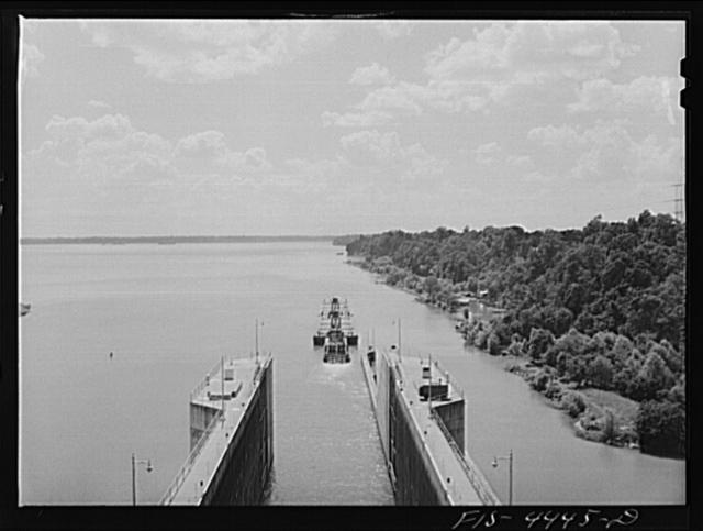 Wheeler Dam, Alabama (Tennessee Valley Authority (TVA)). Oil barges leaving lock at Wheeler Dam, Alabama