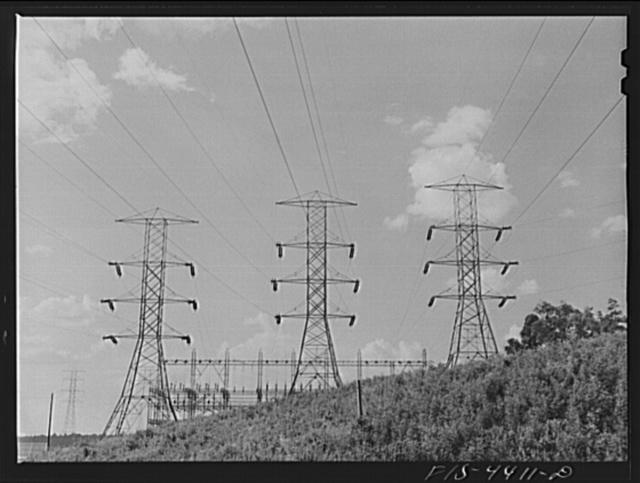 Wheeler Dam, Alabama (Tennessee Valley Authority (TVA)). Transmission towers