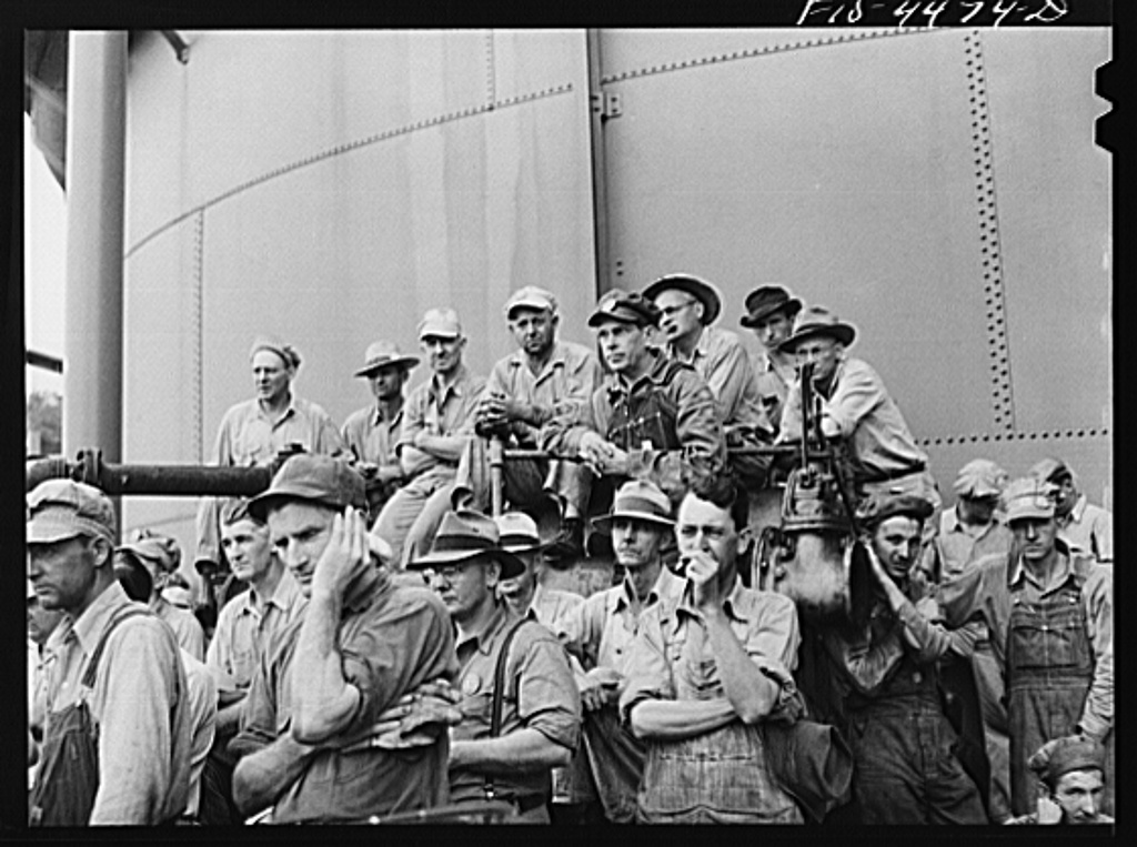 Wilson Dam, Alabama (Tennessee Valley Authority (TVA)). Workers at safety meeting