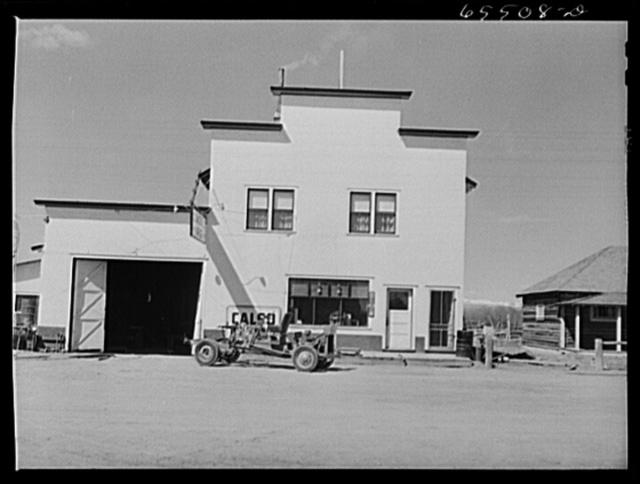 Wisdom, Montana. Garage