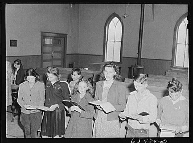 Wisdom, Montana. Singing hymns at Sunday school