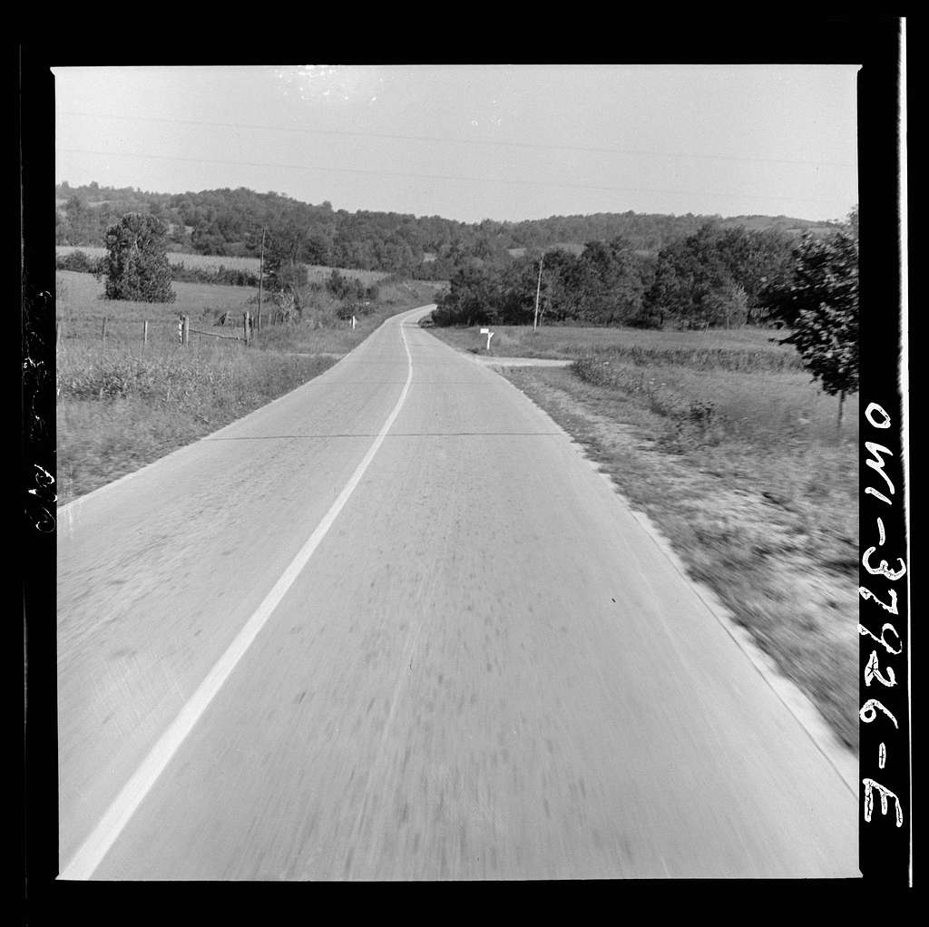 A Greyhound bus trip from Louisville, Kentucky, to Memphis, Tennessee, and the terminals. Highway in Tennessee