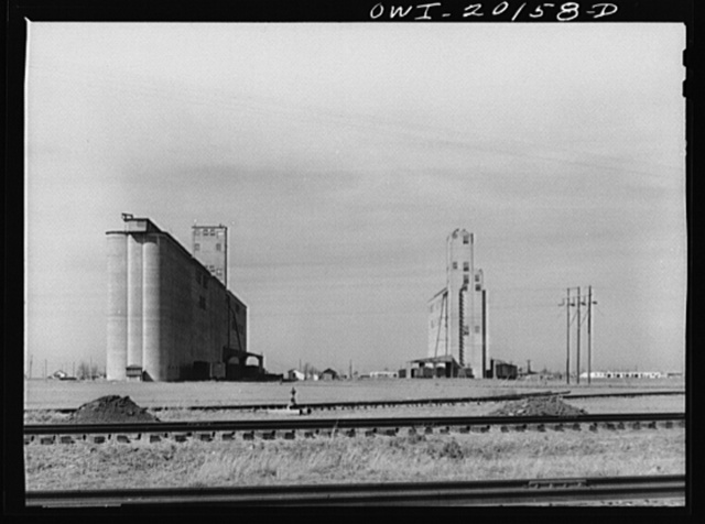 Amarillo, Texas. Grain elevators along the Atchison, Topeka and Santa Fe Railroad tracks