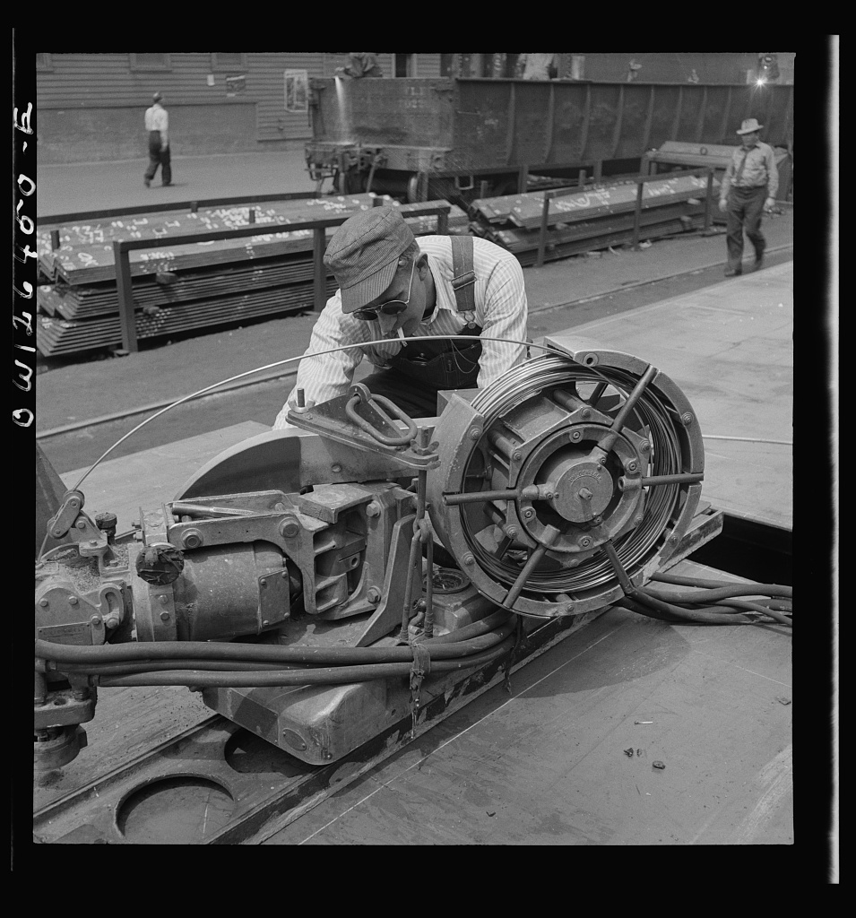 Bethlehem-Fairfield shipyards, Baltimore, Maryland. A union welding machine