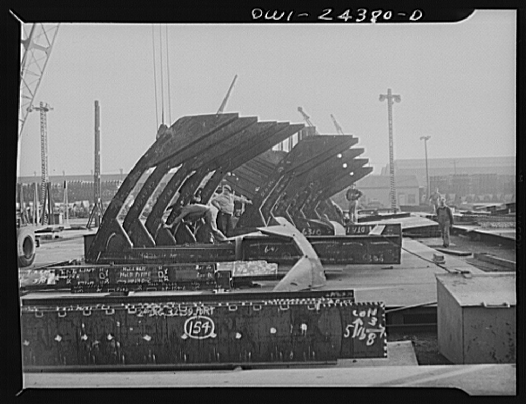 Bethlehem-Fairfield shipyards, Baltimore, Maryland. Sub-assembling a deep tank flat and shell frames