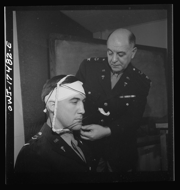 Carlisle, Pennsylvania. U.S. Army medical field service school. Demonstration of the treatment for a broken jaw to Army dentists
