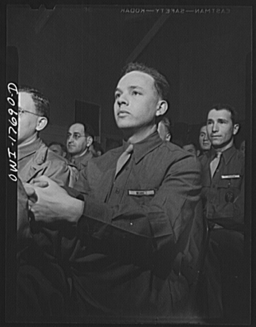 Carlisle, Pennsylvania. U.S. Army medical field service school. Officer candidates listening to a lecture on how the Army works during their five-week course. They are learning to assume the administrative duties of the medical corps to leave the doctors free to practice medicine. In civilian life, these men may have been anything from pharmacists to lawyers