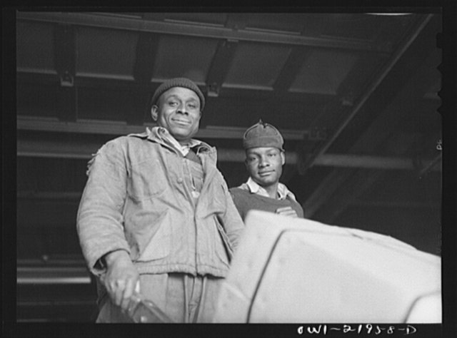 Charlotte, North Carolina. Loading platform workers at the terminal of the Associated Transport Company