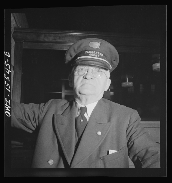 Chicago, Illinois. Parmelee passenger agent. Transfer between Union Station and other major stations in Chicago are handled by the Parmelee Limousine Service