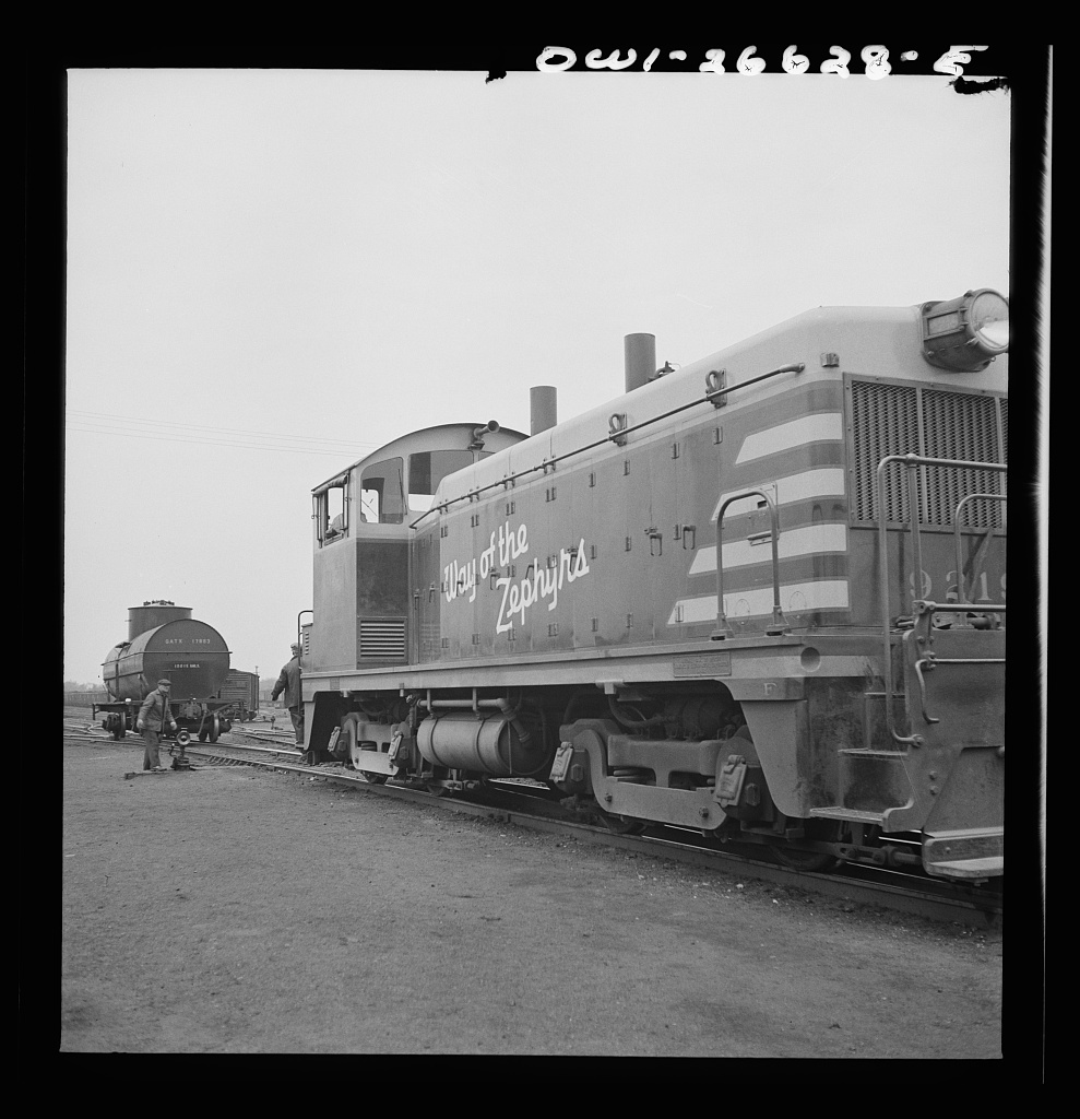 Cicero, Illinois. Switching cars with a diesel switch engine at the Clyde yard of the Chicago, Burlington and Quincy Railroad