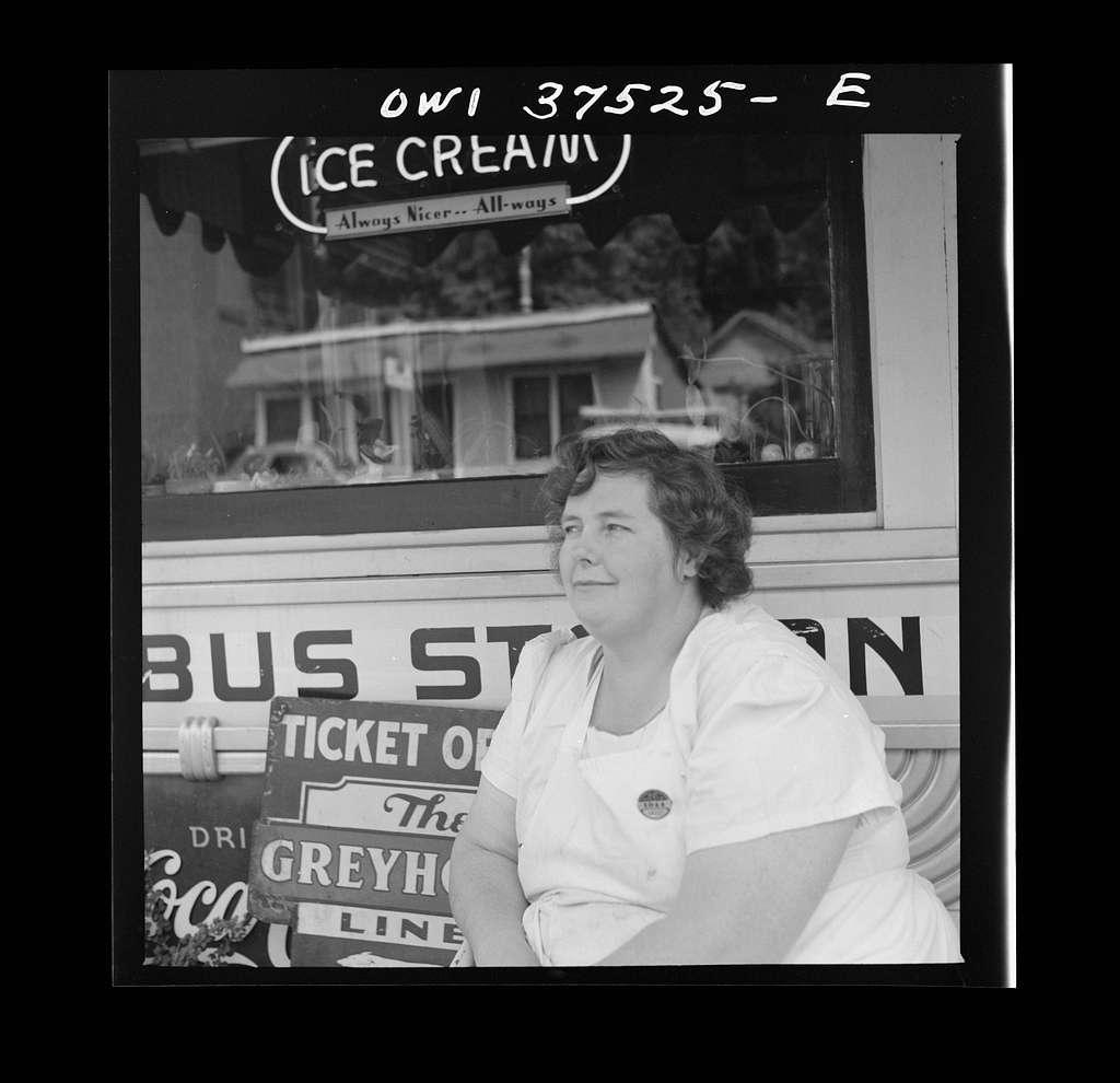 Cincinnati (vicinity), Ohio. The ticket agent of a small town