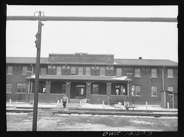 Fort Madison, Iowa (Shopton). The reading room across from the yard office has sleeping accomodations for Atchison, Topeka and Santa Fe Railroad workers