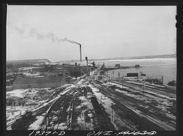 Fort Madison, Iowa. View of the east end of the Atchison, Topeka and Santa Fe Railroad yard. On the right is the Mississippi River