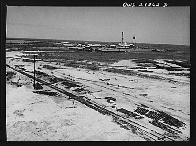 Freeport Sulphur Company, Hoskins Mound, Texas. Power plant and machine shops at Freeport Sulphur Company