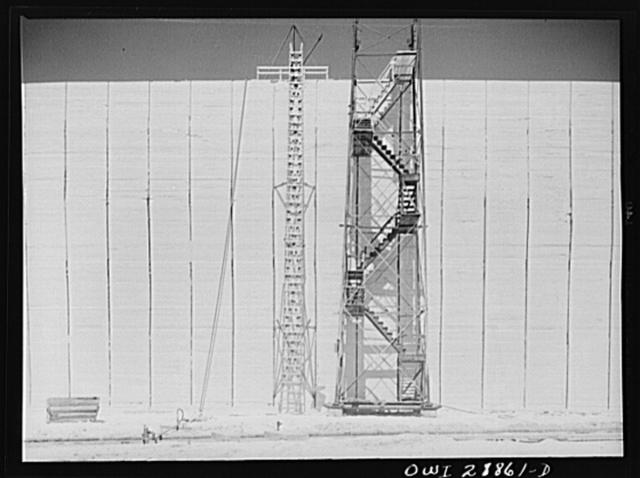 Freeport Sulphur Company, Hoskins Mound, Texas. Sulphur vat