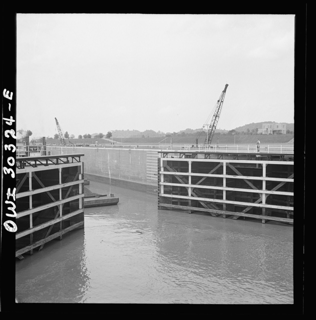 Gallipolis, Ohio. Lock gates opening to allow the barges to enter