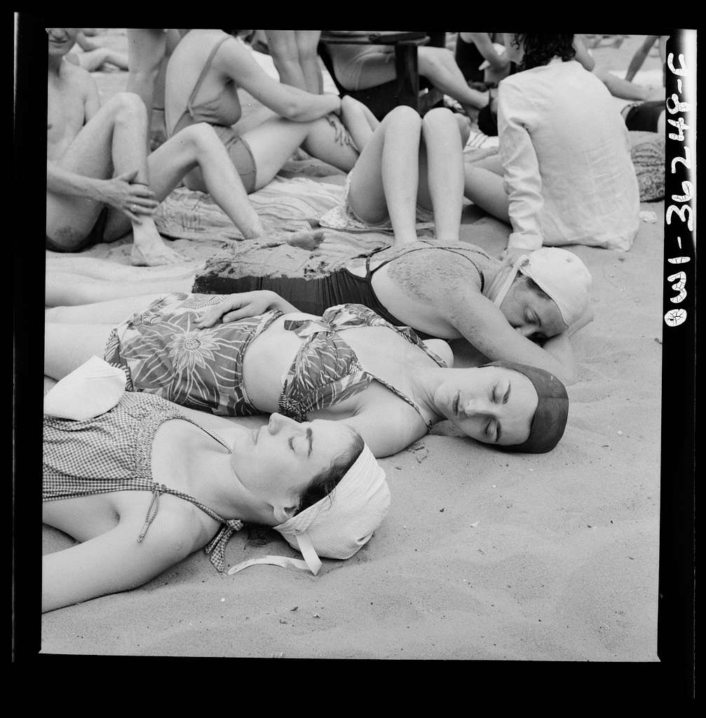 Glen Echo, Maryland. Sun bathers on the sand beach at the swimming pool in the Glen Echo amusement park