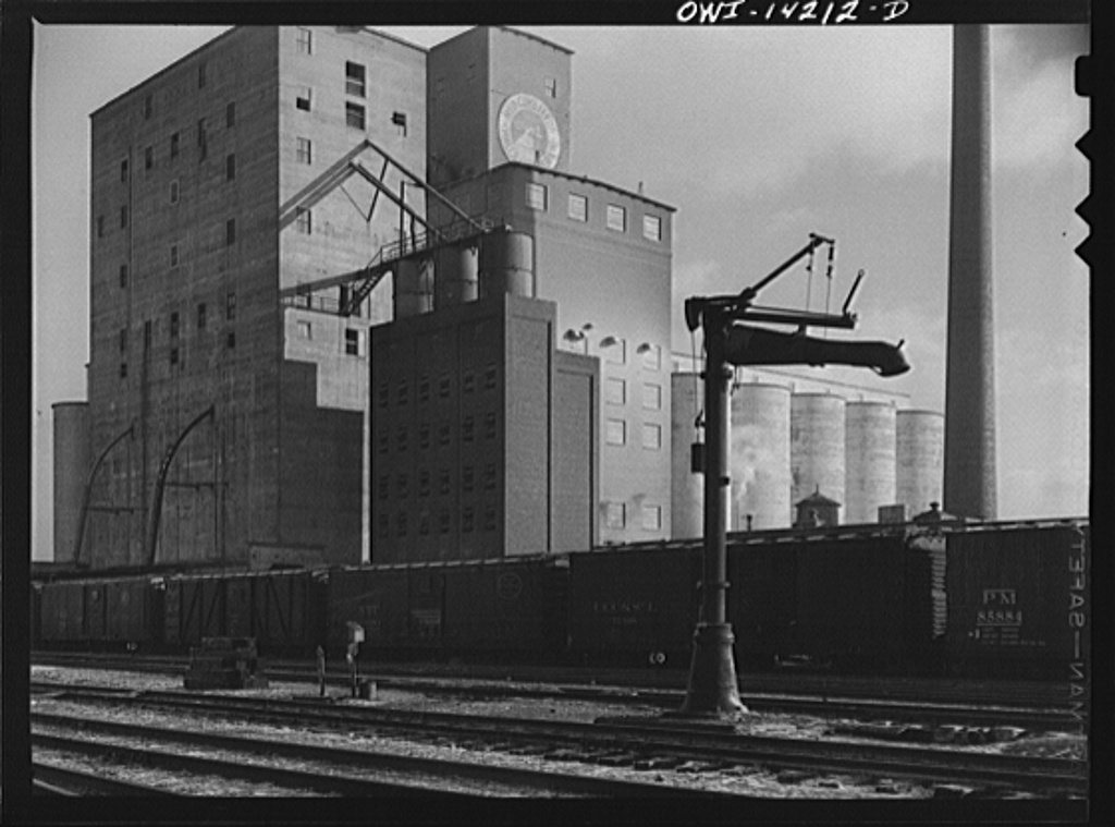 Grain elevator and mill at a railroad siding of the Indiana Harbor Belt