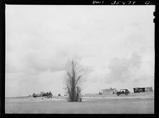 """Greenville, South Carolina. Air Service Command. Men of the 35th service squadron of the 25th service group, enacting an """"alert"""" during a simulated defense of the airfield from attack"""