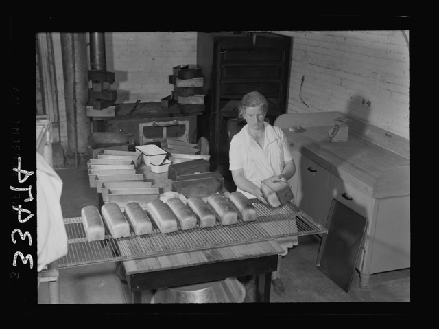 Keysville, Virginia. Baking bread in central bakery; seventy-five loaves each day to be sent to schools via school buses