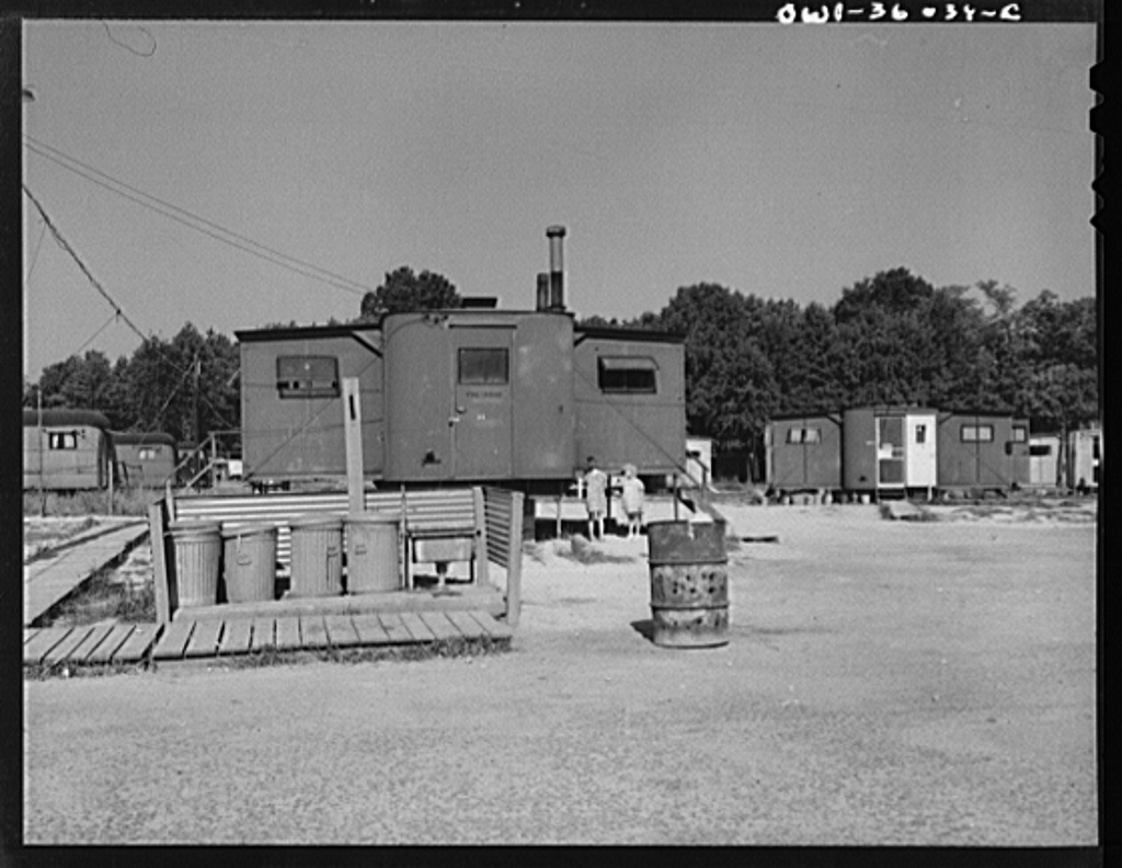 Middle River, Maryland. FSA (Farm Security Administration) housing project for Glenn L. Martin aircraft workers. The place for the disposal of garbage