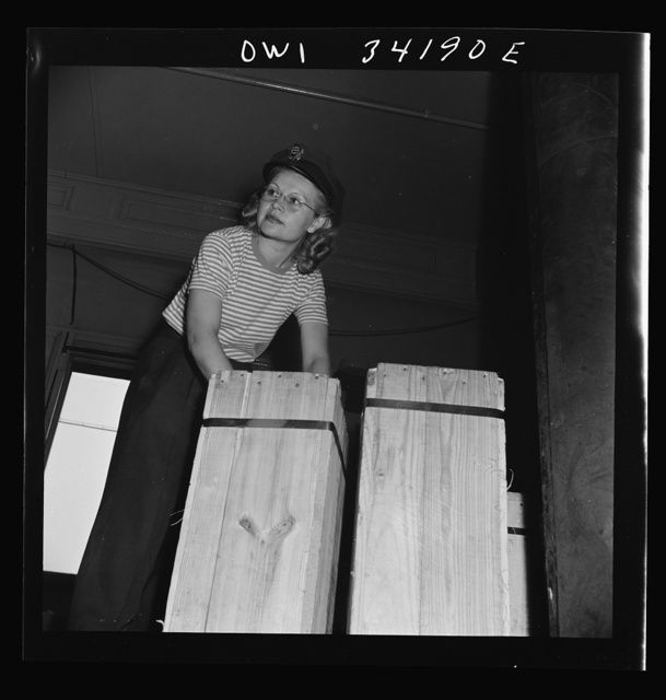 New Britain, Connecticut. Miss Ida Hicks, Lithuanian, twenty-eight years old, employed at the American Railway Express Company, sorting packages, weighting them, etc., earns seventy-nine and one-half cents an hour. She formerly worked in a defense plant