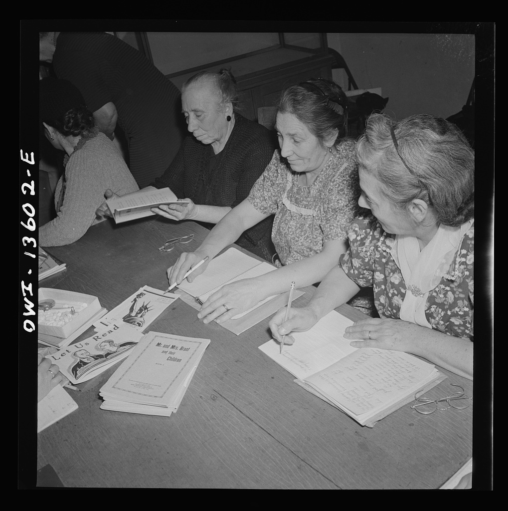 New York. New York. Class in citizenship and English for Italians given free of charge at the Hudson Park library on Seventh Avenue near Bleeker Street