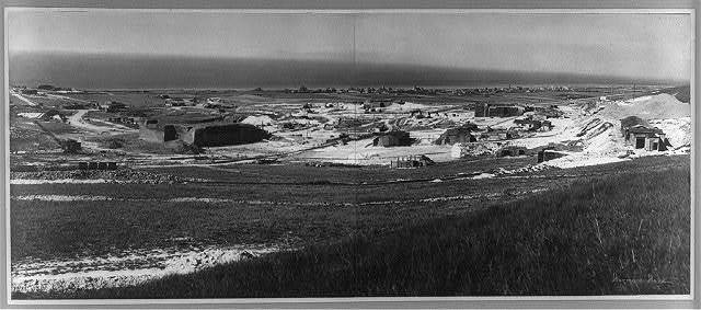 [Panoramic view of German fortifications under construction on the coast] / Hermann Harz.