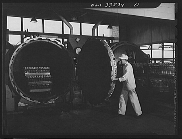 Parke, Davis and Company, manufacturing chemists, Detroit, Michigan. Sterilizing empty glass containers in an autoclave