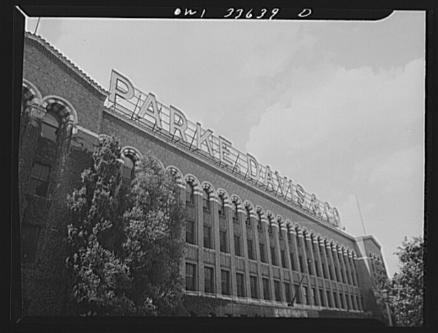 Parke, Davis and Company, manufacturing chemists, Detroit, Michigan. Upper floors of the Parke, Davis and Company administration building