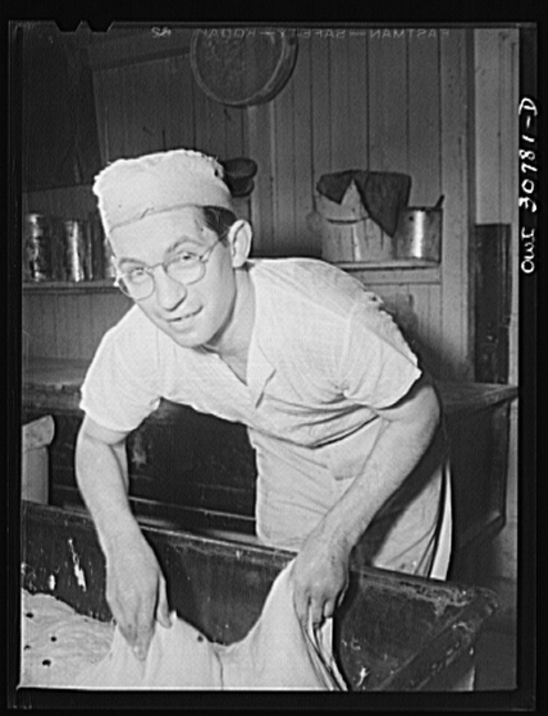 paul hermann german baker in a lithuanian bakery pittsburgh pennsylvania 1024jpg httpspicrylcommediatravels in north america during the years