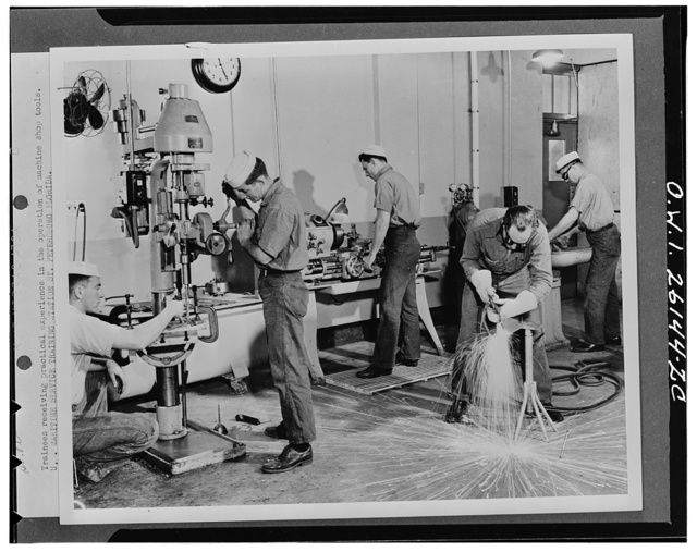 Saint Petersburg, Florida. Trainees receiving practical experience in the operation of machine shop tools