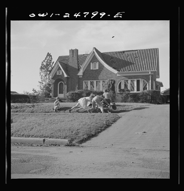 San Augustine, Texas. Children playing in the residential section