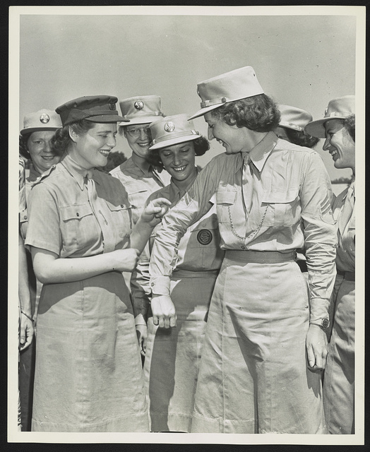 [Subaltern Mary Spencer-Churchill of the British Auxiliary Territorial Service, daughter of the Prime Minister Winston Churchill, with members of the U.S. Women's Army Corps] / Official U.S. Army photo.