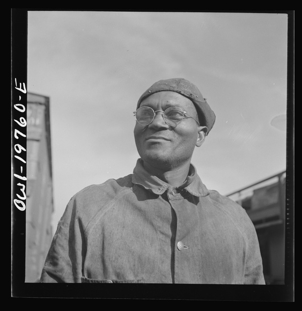 Topeka, Kansas. Robert L. Hill, steel car repairer and rivet driver, at the car shops of the Atchison, Topeka and Santa Fe Railroad
