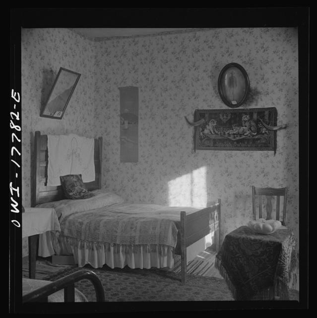 Trampas, New Mexico. Bedroom in the house of Juan Lopez, the majordomo (mayor)