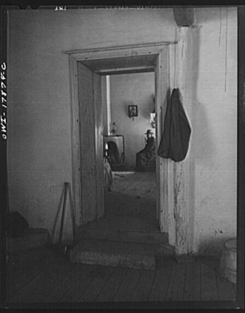 Trampas, New Mexico. Rooms in the house of Juan Lopez, the majordomo