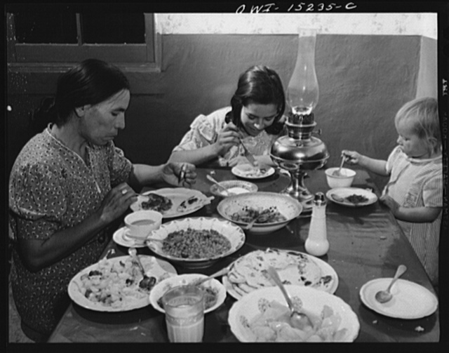 Trampas, New Mexico. Supper time at the home of Juan Lopez, the majordomo (mayor)