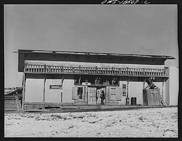 Trampas, Taos County, New Mexico. A store