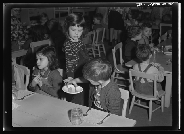War workers' nursery. Playing waitress is an envied job at the Bella Vista Nursery School in Oakland, California, where a complete and nourishing luncheon is served daily in addition to midmorning cod liver oil and tomato juice and afternoon milk and crackers