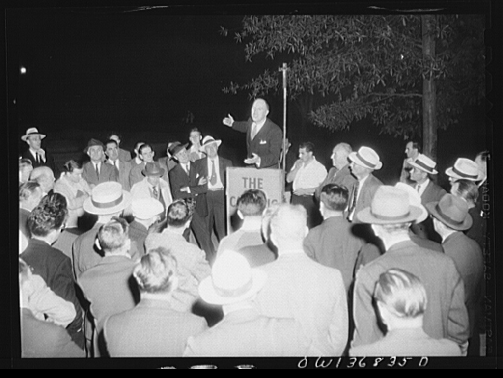 Washington, D. C. Director of the USO (United Service Organizations) addressing a Catholic Evidence Guild rally in Franklin Park
