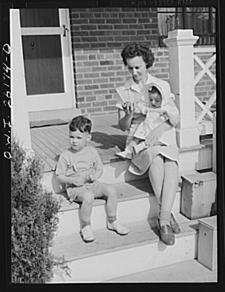 Washington, D.C. A day nursery for pre-school children of mothers engaged in war work, operated under the supervision of the District of Columbia Health Department by Mrs. Leroy Bonbrest, at her home at 1144 Branch Avenue, S.E. Two of the younger children