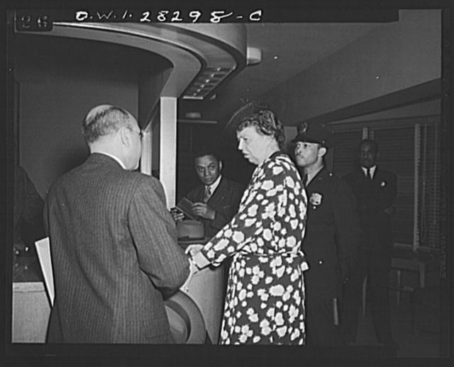 Washington, D.C. Eleanor Roosevelt visiting George Washington Carver Hall, men's dormitory for Negroes
