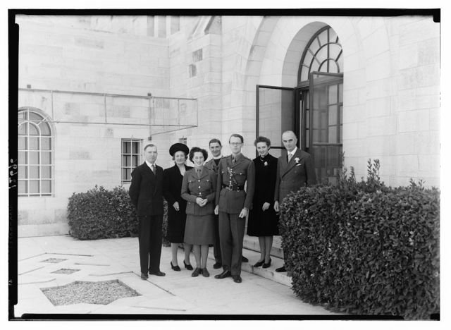 Wedding group at gov't [i.e., Government] house. Lt. Oliver Breakwell & Miss Hersey Williamson on Feb. 9, '43
