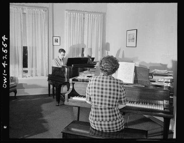 Bethlehem, Pennsylvania. Bach festival. Living room in the home of Mr. and Mrs. Ifor Jones