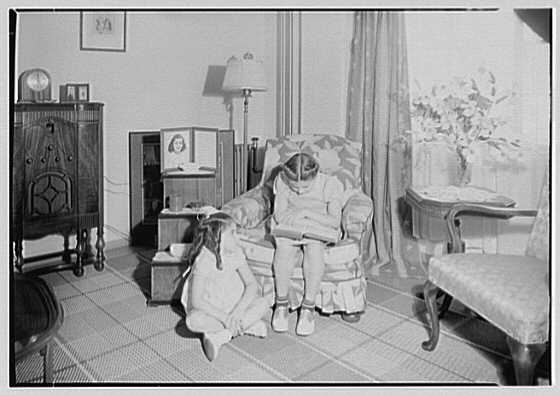 Newark Housing Authority, 57 Sussex Ave., Newark, New Jersey. Baxter living room
