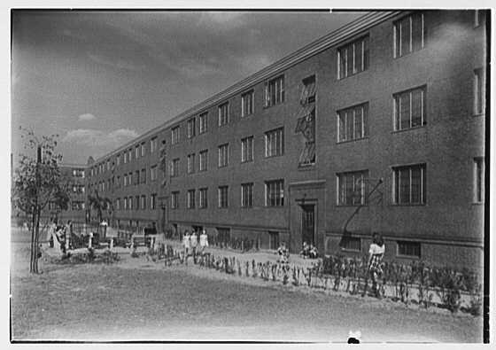 Newark Housing Authority, 57 Sussex Ave., Newark, New Jersey. Hyatt Court, general view